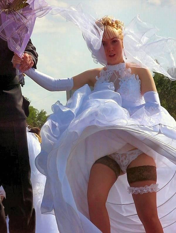 Засветы под юбкой у невест фото, бригада у танцует на улице