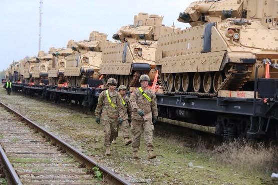 Картинки по запросу американские танки в Прибалтике фото
