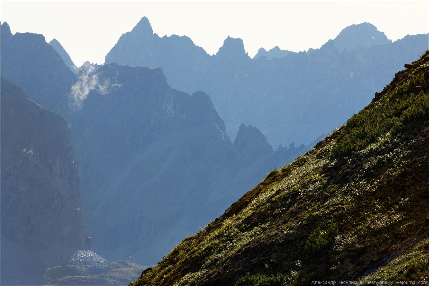 Открытка лучше гор могут быть только горы