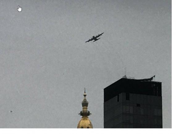 Картинки по запросу 13 декабря над Манхэттеном, в основном над Трамп-Тауэром, полтора часа кружил на малой высоте самолет ВВС США C-130