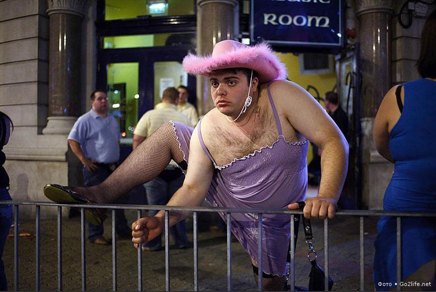 Фото пьяный мужик в женском платье