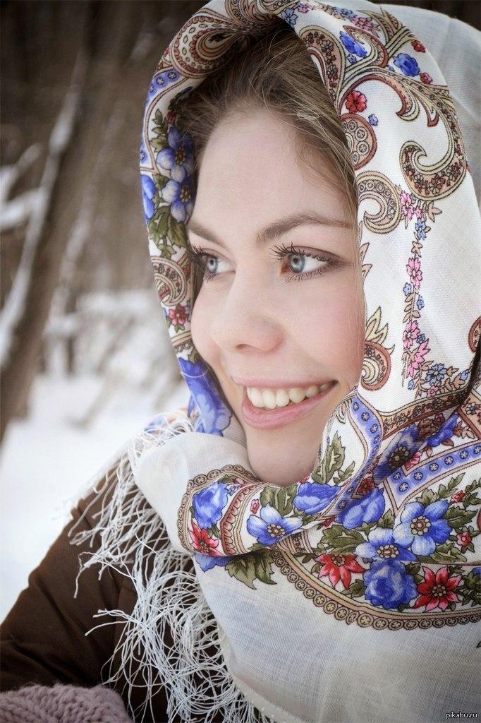 красивая русская дама взяла в рот