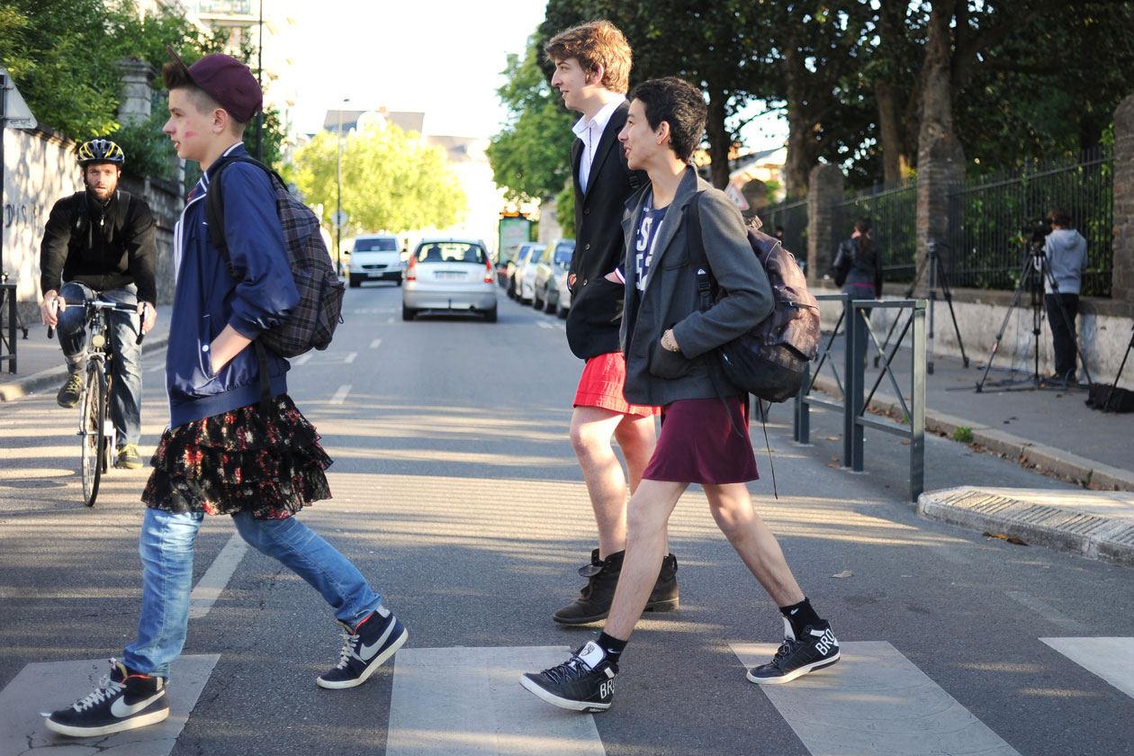 парни в юбках