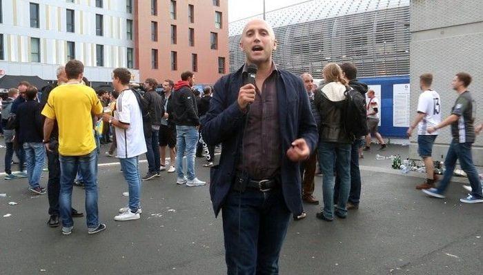 После встречи Грэма Филлипсас украинскими фанатами на Евро-2016, его автомобиль взломали и обокрали