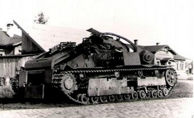 Один танк Т-28 против фашистов