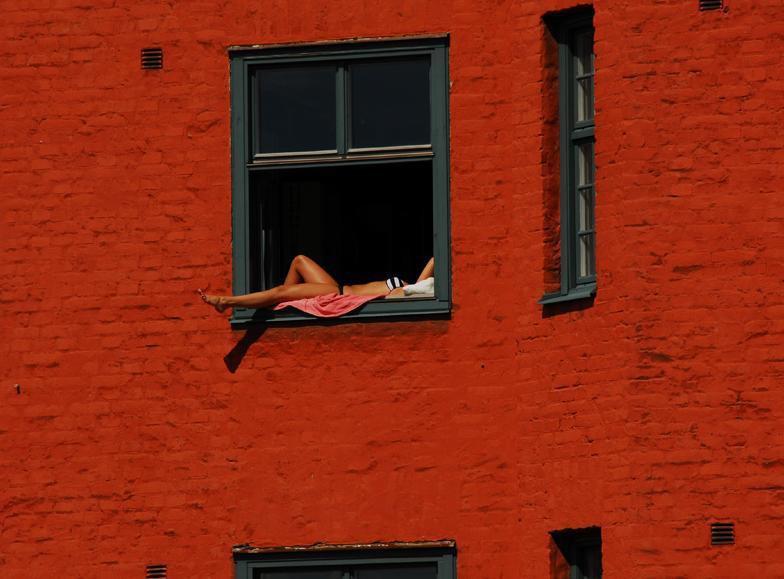 тебя загар по русски на балконе фото навесов бывают