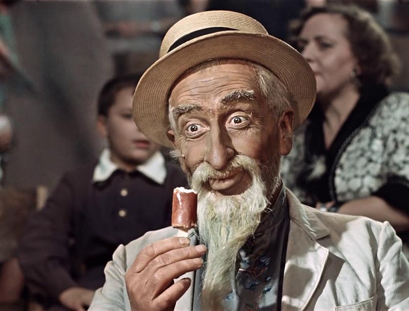 Пенсіонер з Херсона знайшов у морозиві золоті зуби
