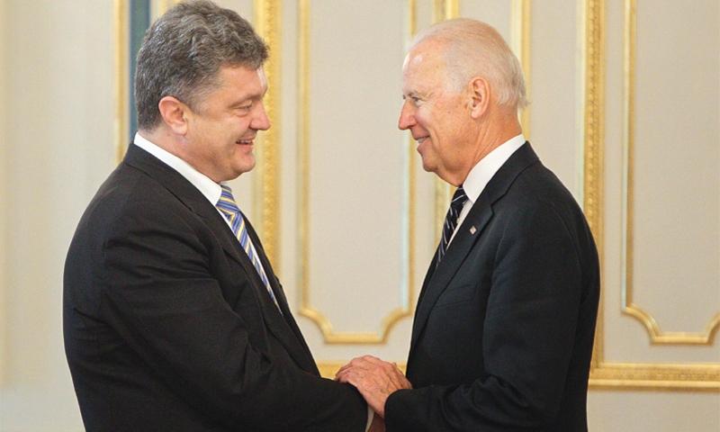 """Последний """"фас!"""" для Порошенко: спровоцировать Россию, связать руки Трампу"""