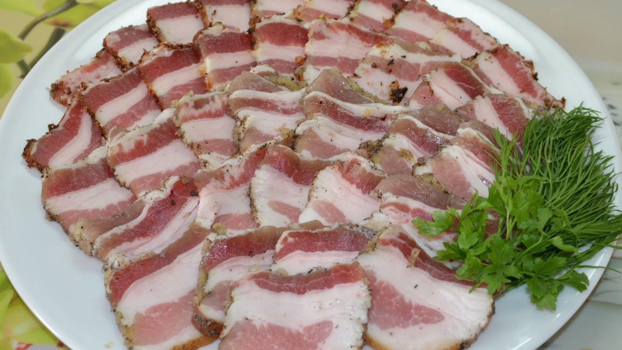 212a9450506a Свиное сало является неотъемлемым элементов питания на протяжении многих  веков для русских, поляков, англосаксов. Жители же Украины вообще прочно ...