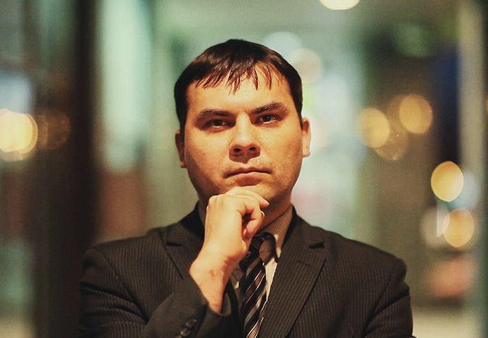 Евгений Константинов: Дмитрий Бондаренко. Взгляд в глаза