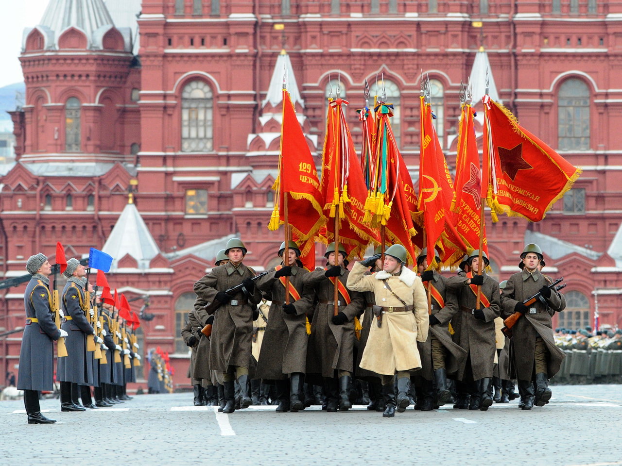 Историческая реконструкция легендарного парада 1941 года