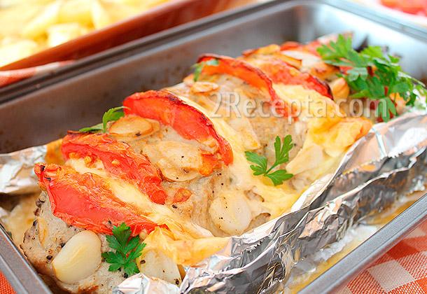 рецепт мяса запеченного в духовке с помидорами фото