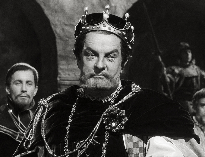 shakespeares hamlet hamlets villain king claudius Hamlet goes on to compare his father to claudius and comment on the relationship between king hamlet and gertrude so excellent a king that as to this hyperion to a satyr so loving to my mother.