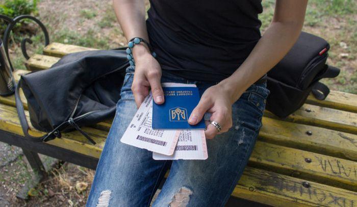 Украинцы о европейских условий работы:  «В 4 утра меня разбудил пан ногой в спину».