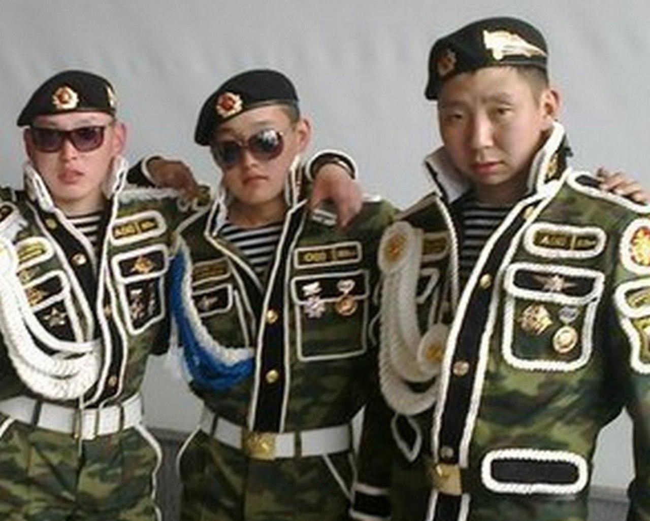 Бесчинства боевых бурятов в школе ЛНР
