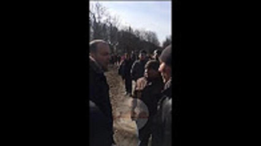 Жители Конотопа гонят из города нардепов-блокадчиков