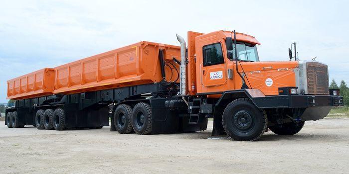 Алмазовоз для Якутии: 130-тонный самосвальный автопоезд ТОНАР-45252