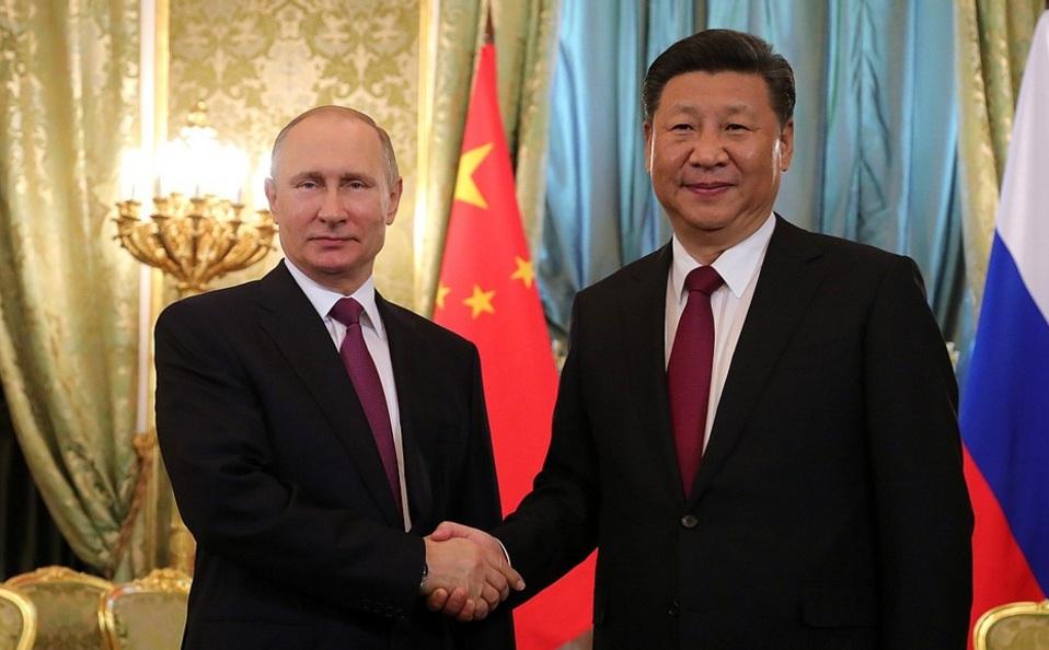 «Вызов западному миру»: Times испугалось улыбок Путина и Си Цзиньпина