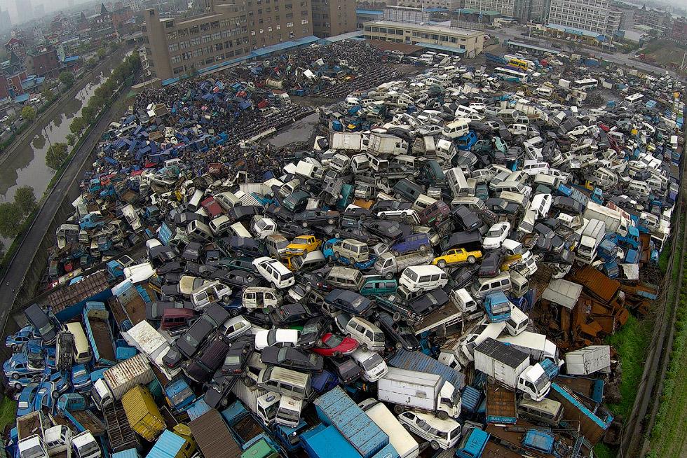 Автосвалки в Китае. Еще одно напоминание о тупиковой модели развития нашей цивилизации