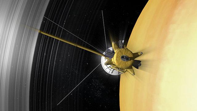 """""""Кассини"""" натолкнулся на необъяснимую аномалию магнитного поля Сатурна"""