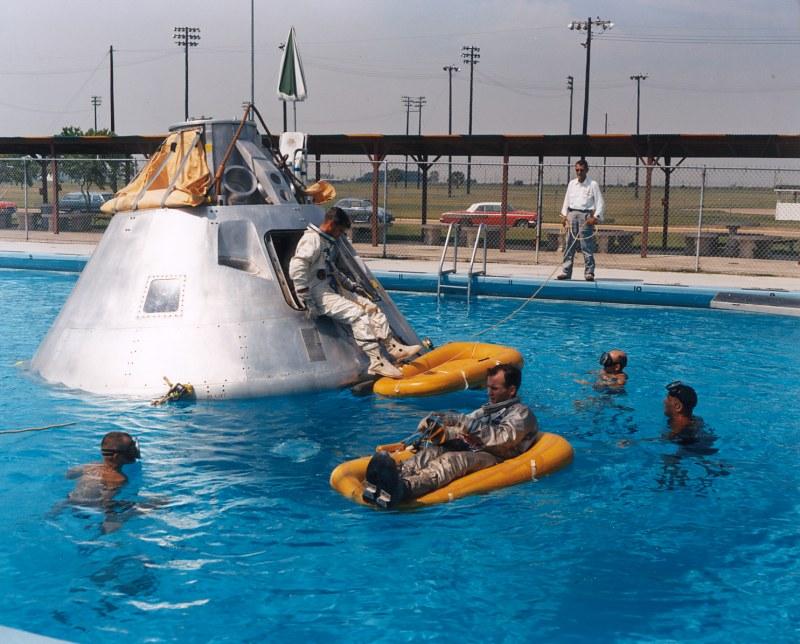 Apollo 13 James Lovell Jeffrey Kluger 9780618619580