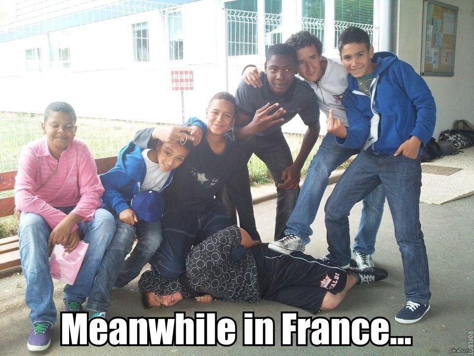 Свободный «раб демократии»: Макрон для Франции стал врагом №1