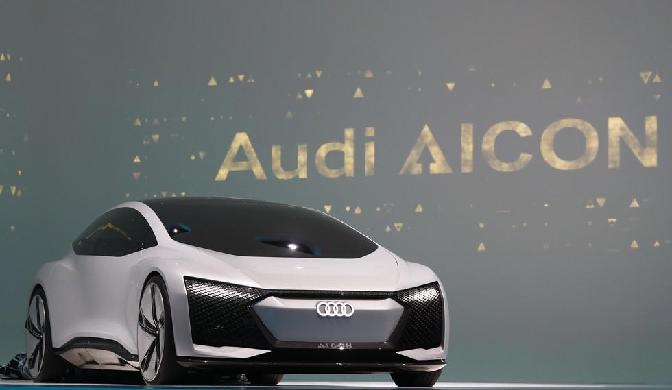 53fc9d1ce846fba06f09433d14b58d93__980x Audi представила автомобиль Aicon без руля и педалей