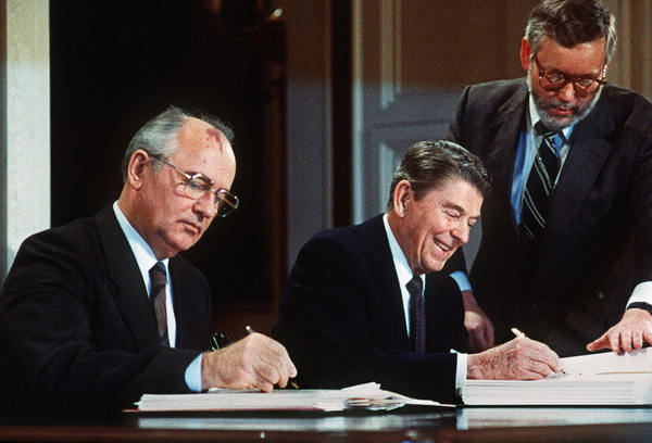 world war ii and gorbachev Mikhail gorbachev was the party's first leader to have been born after the revolution ousting the regimes built in eastern europe after world war ii.
