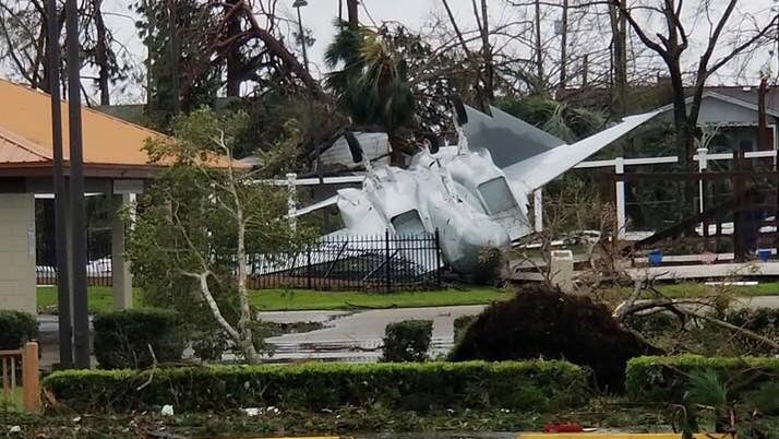https://cont.ws/uploads/pic/2018/10/samolyot-ssha-uragan-1.jpg