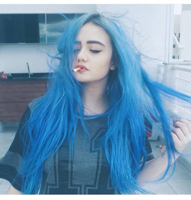 0316c5e8b4e5 Из-за синих волос школьницы задействовали прокуратуру !  Мы серьёзно больны    Блог Симон   КОНТ