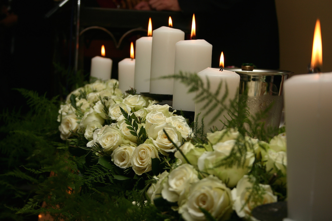 рабочую поездку трогательные картинки со свечами любим помним личной жизни повстречайся