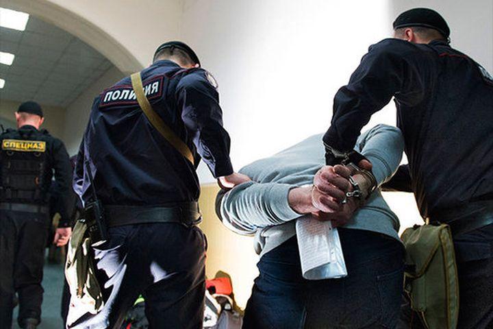 Силовики начали облавы на мигрантов, наркоманов и должников
