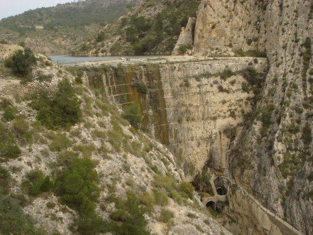 Древние плотины Испании