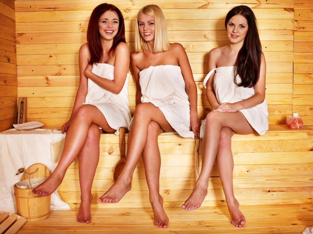 С девчонками в баньке, видео девушки показывают свою киску на веб камеру
