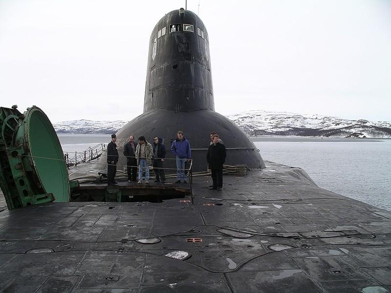 """Атомная подводная лодка """"Акула"""". Самая большая ядерная дубинка нашей страны, если махнем от Америки ничего не останется."""