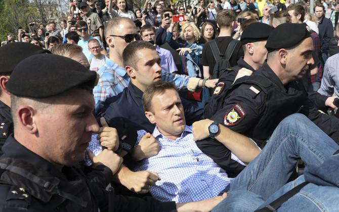 Митинг Навального провалился: «Политический труп» продолжает разлагаться %D0%9D%D0%B0%D0%B2%D0%B01