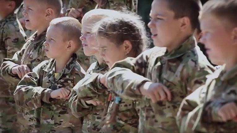 """История,  услышанная в рядах """"Бессмертного Полка"""" в Луганске"""