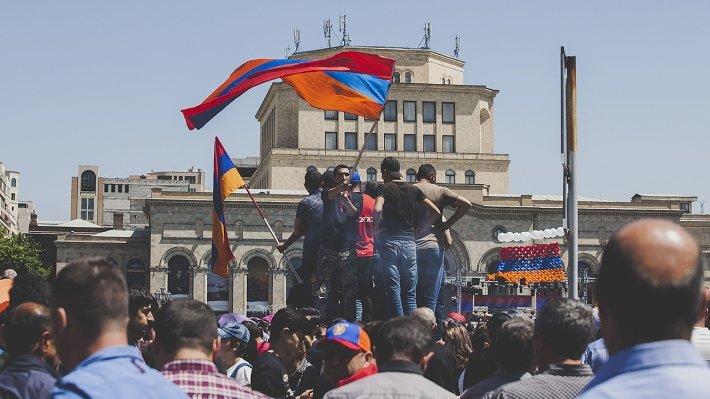 """ЕАЭС, ОДКБ, Карабах: ситуация в Армении стала """"точкой бифуркации"""" для России и Казахстана."""