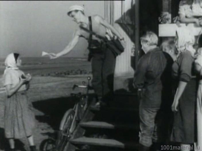трактористы несут главного фото числу активных