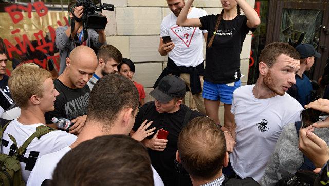 """""""Победить Россию очень легко"""". Украинцев опять зовут в последний бой"""