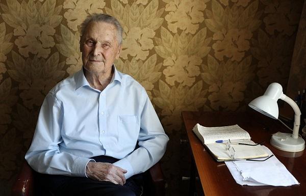 Профессор Арсений Миронов передает свой уникальный опыт ученым в ЛИИ им. Громова