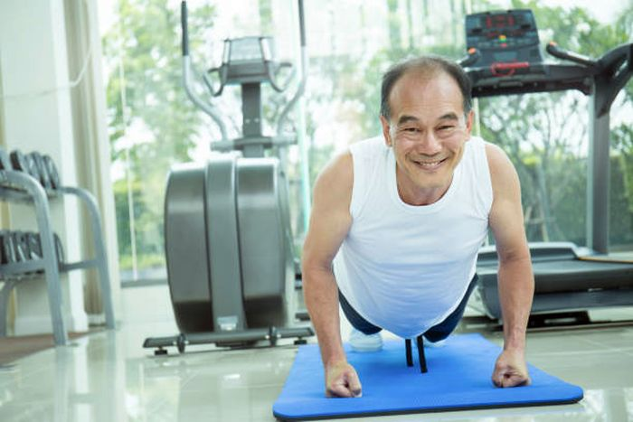 Китай начал постепенное снижение пенсионного возраста до 50/55 лет