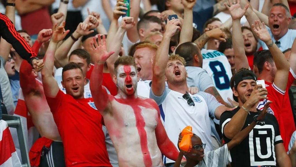 предлагаем познакомиться фанаты россии футбол картинки котлеты