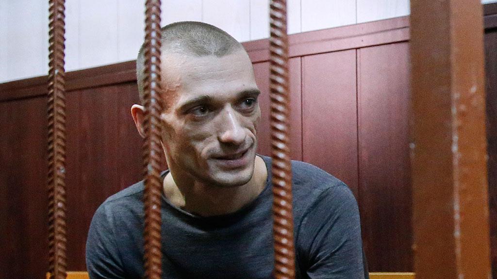 Всё познается в сравнении: «художник» Павленский тепло вспоминает о «Бутырке» во французской тюрьме