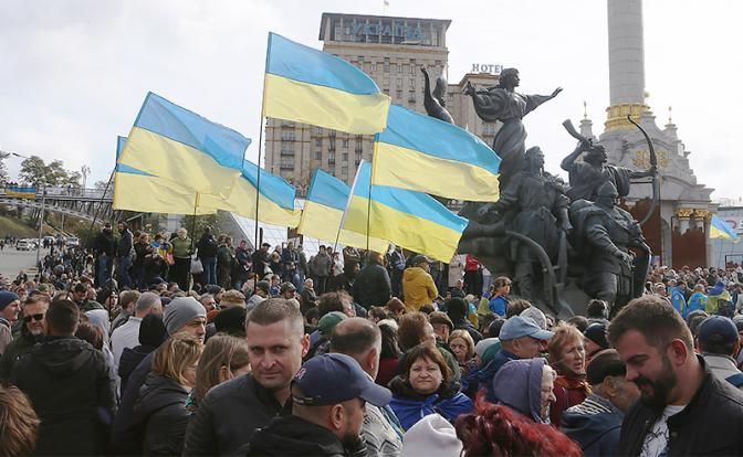 Политическая сцена Украины: «налапники» и «лохи»