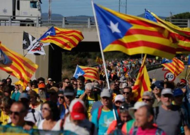 Каталонские лидеры в тюрьме, Барселона в огне. Испания на грани гражданской войны