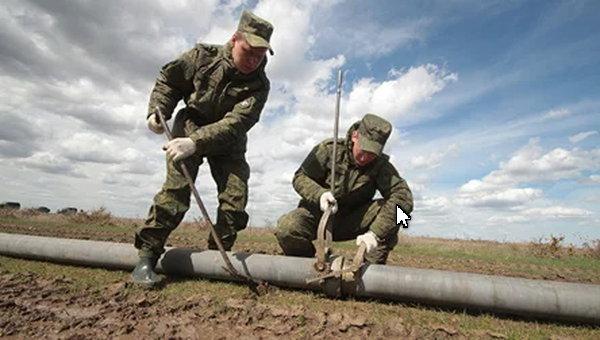 Военные завершают строительство водопровода в Крыму