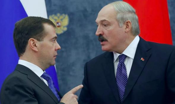 Почему Лукашенко стал оправдываться перед