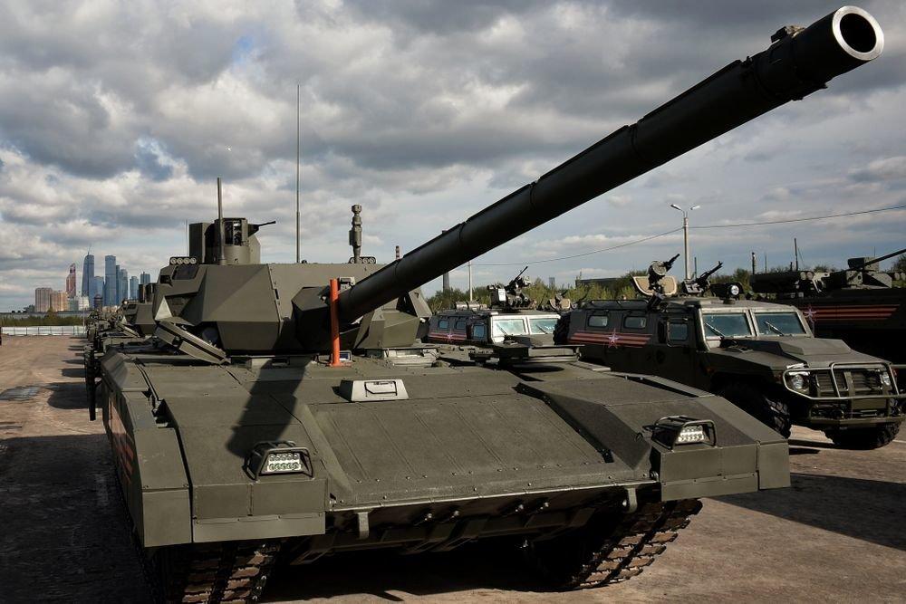 """Изготовлена первая партия танков """"Армата"""" для армии России"""