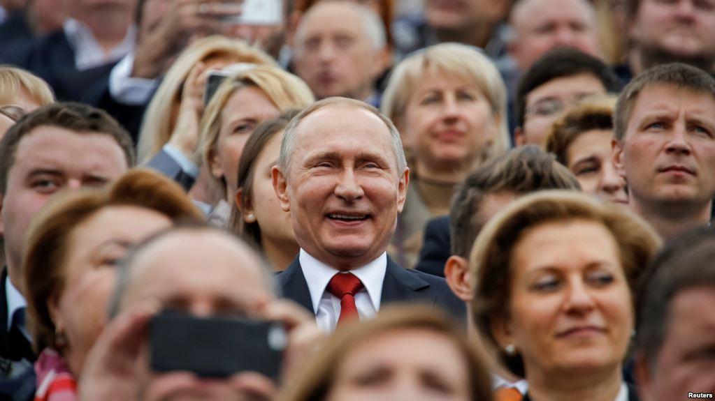 """""""Ви знаєте повію, що 20 років пропрацювала в одному борделі?"""" - акції протесту проти безстрокового перебування Путіна при владі відбулися в РФ - Цензор.НЕТ 3950"""
